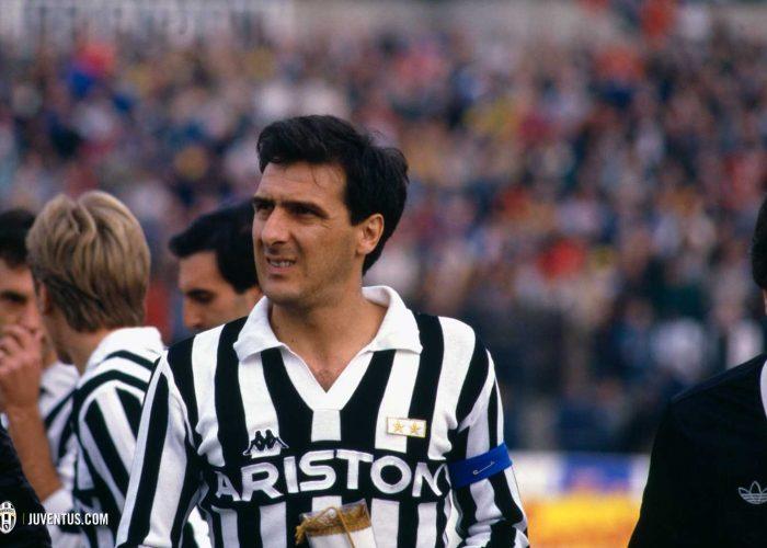 Điểm mặt 3 hậu vệ cánh phải Italia đi vào lịch sử