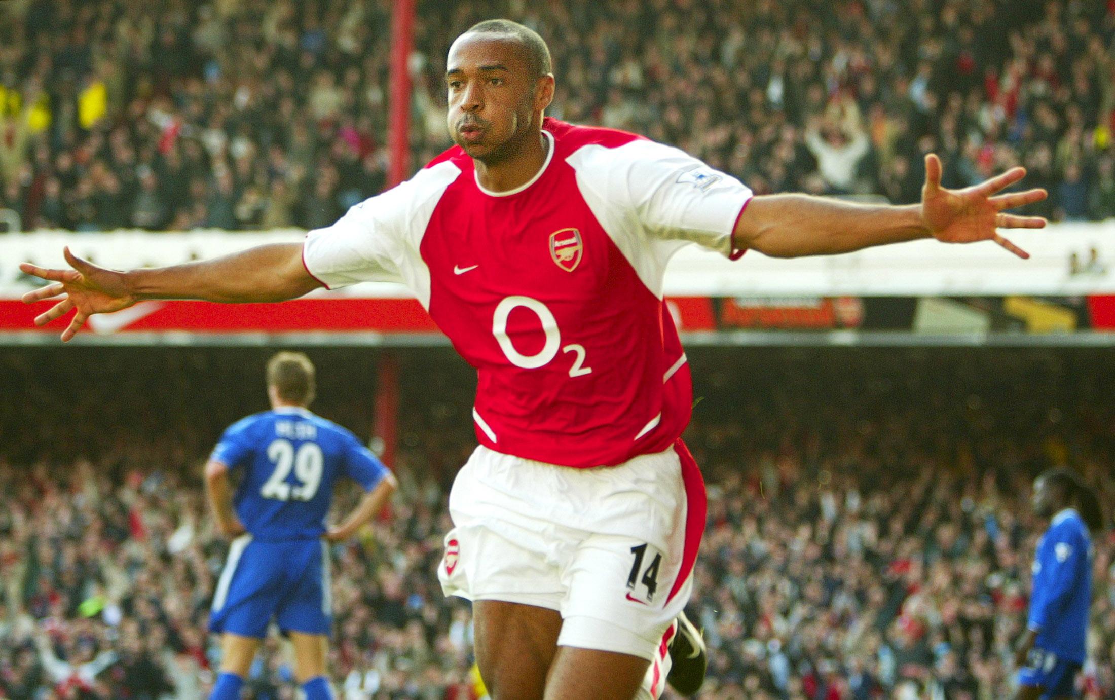 Tiền đạo Thierry Henry (Arsenal)