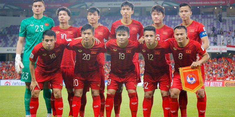Bóng đá Việt Nam đang phải đối mặt với những hiểm nguy nào?