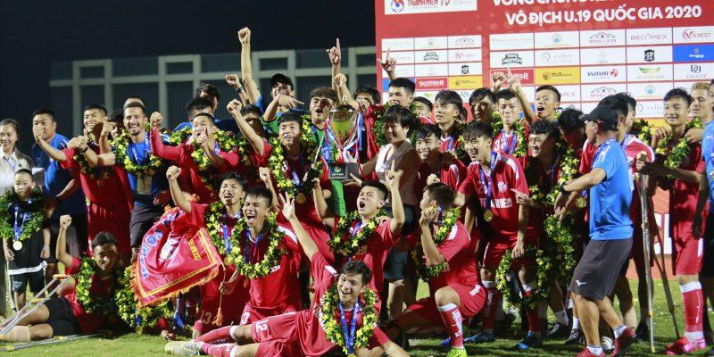 Đánh bại U19 HAGL đầy thuyết phục , U19 PVF giành ngôi vô địch mùa giải U19 Quốc Gia 2020.
