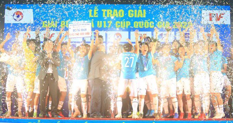 Giải U17 Cúp Quốc Gia lần đầu tiên được tổ chức- U17 PVF trở thành nhà vô địch.