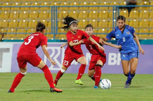 Luôn quan tâm hơn nữa đến các cô gái làng bóng đá Việt Nam