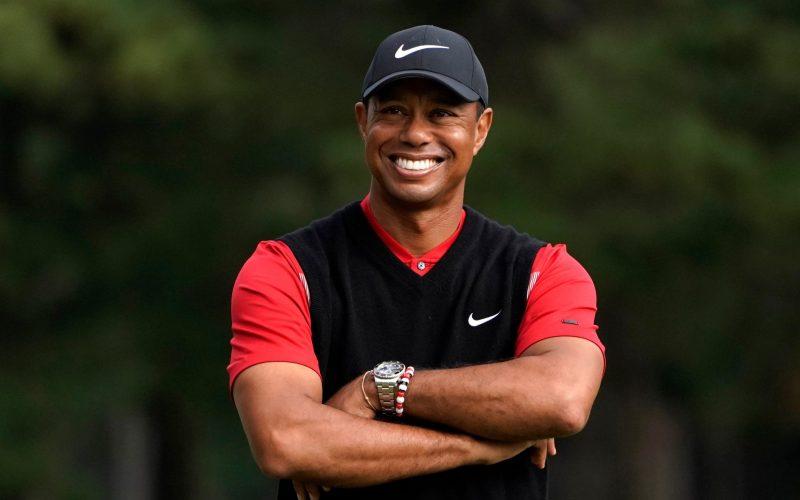Huyền thoại sống làng Golf Tiger Woods